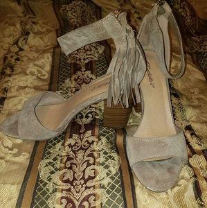 Breckelles Tan heels